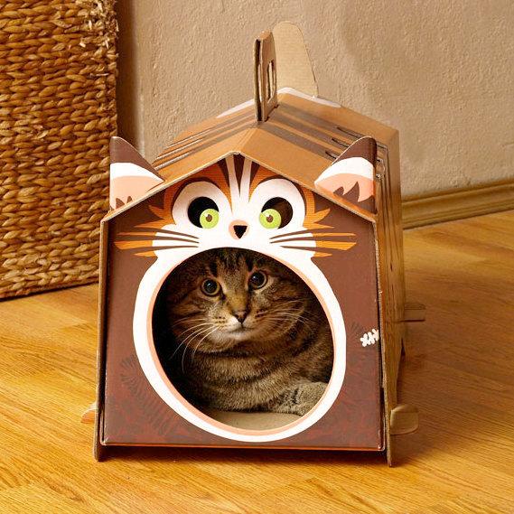Картонный домик для кошек + маска